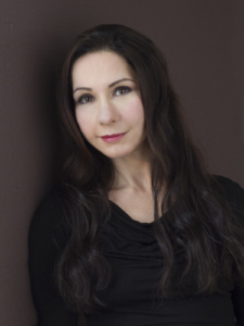 Author Tina Amiri picture